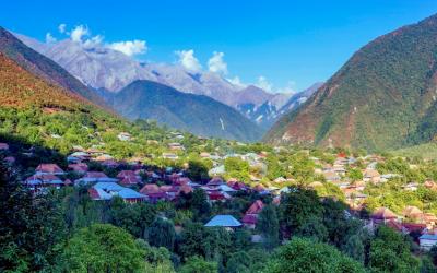 Du lịch Kavkaz, thăm làng Sheki như cổ tích ở Azerbaijan
