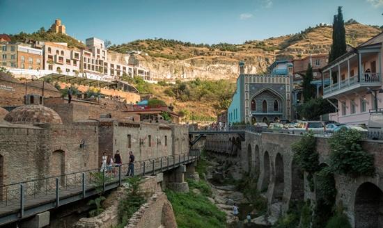 du lịch Georgia, thành phố cổ Tbilisi