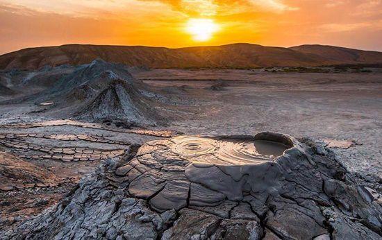núi lửa bùn Azerbaijan
